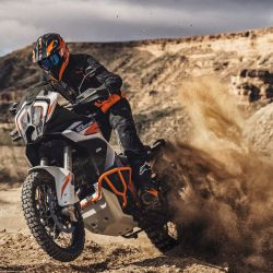 KTM_1290_SUPER_ADVENTURE_R_action