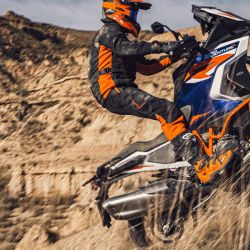 KTM_1290_SUPER_ADVENTURE_R_action3